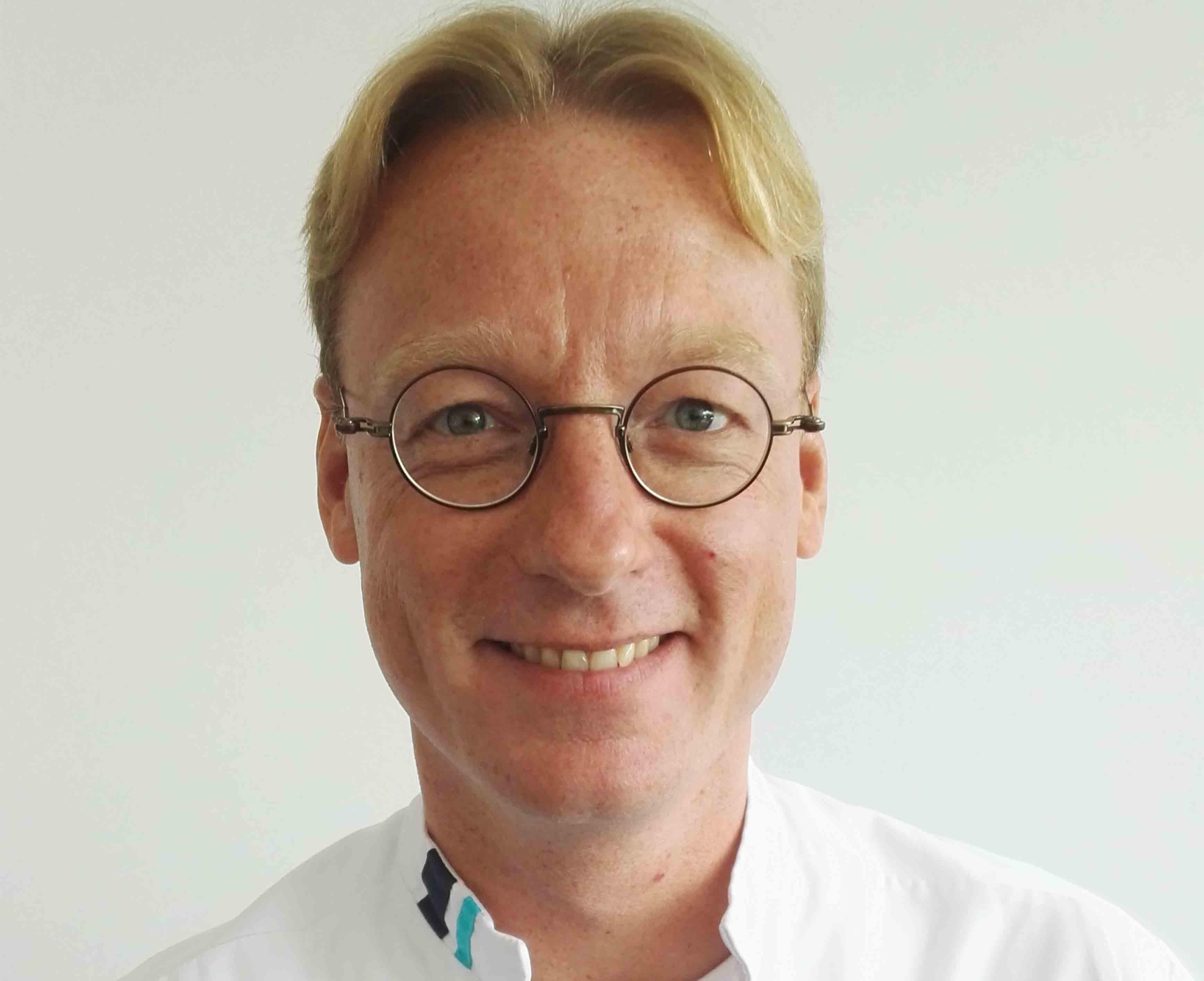dr P.P.J. van der Veek